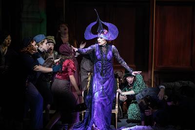 Verdi: Un ballo in maschera - Rosalind Plowright - Opera Holland Park 2019 (Photo Ali Wright)
