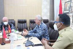 Kunjungi Malut, Syamsidin Kadir Sambut  Jose Maria Matres Menso