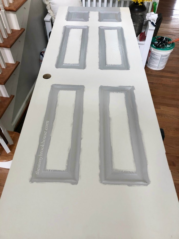 Painting grooved parts of door