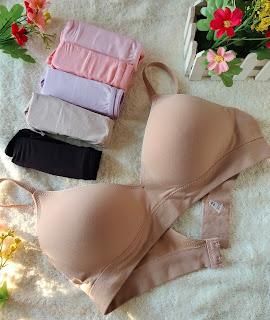 Pakaian dalam wanita