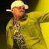 "Chris Brown libera 3 singles do álbum duplo ""Heartbreak on A Full Moon""; confira"