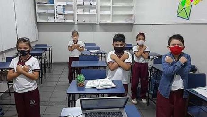 Manaus é a primeira capital a retomar aulas presenciais na rede estadual de ensino