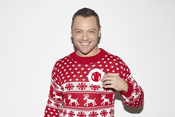 tiziano ferro save the children christmas jumper christmas jumper day 2016 christmas sweater maglioni natalizi mariafelicia magno fashion blogger italiane blog di moda color block by felym natale 2016
