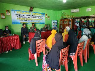 Kanit Intelkam Bersama Babinsa Dampingi Kades Salurkan BLT di Desa Makmur