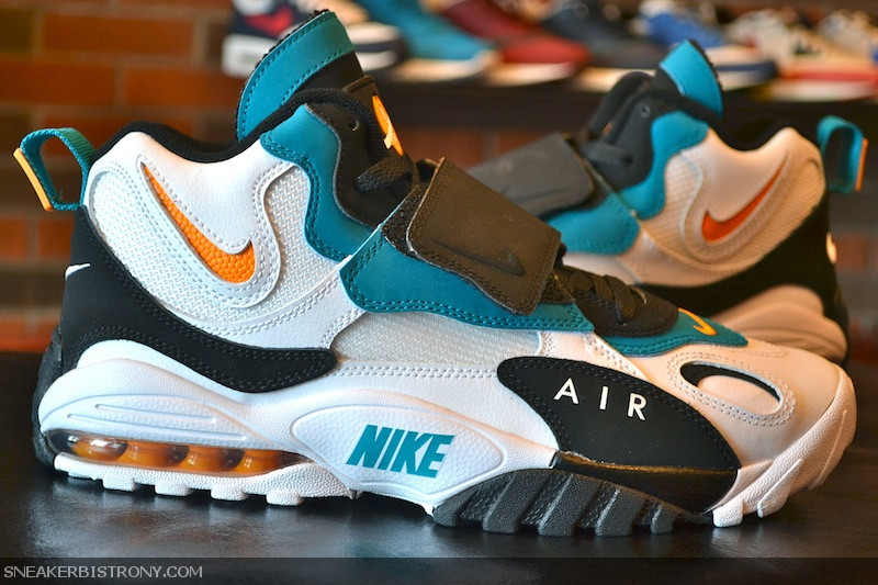 Nike Air Max Speed Turf Big Kids' Shoe (Green Abyss)   Nike