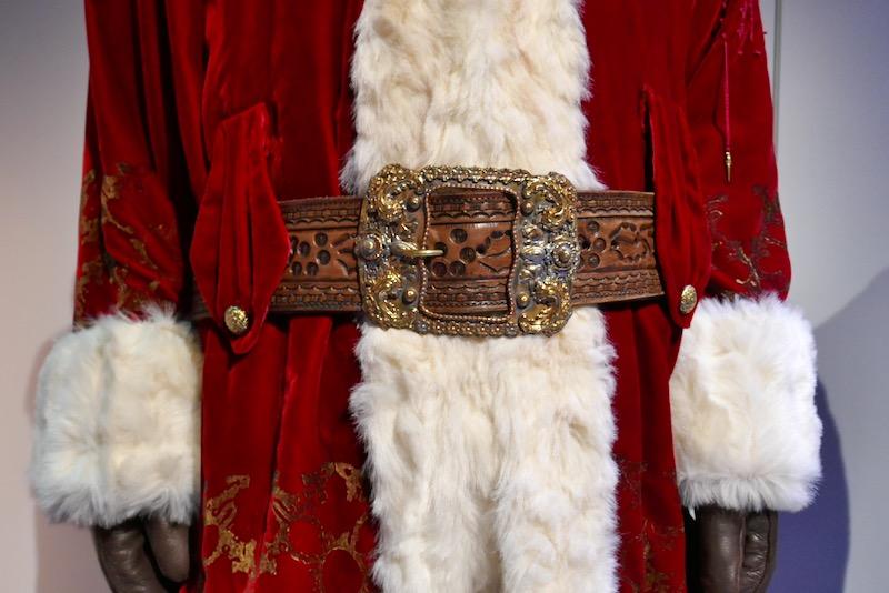 Santa Clause 3 costume belt buckle