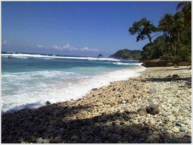 Pantai Pidakan;Top Destinasi Wisata Pacitan;