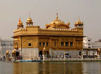 The Golden Temple is most popular Pilgrim side of India.Everyday thousands of  people have come from various side