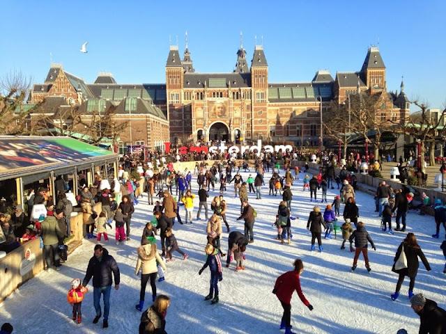 Patinação no gelo em Amsterdã