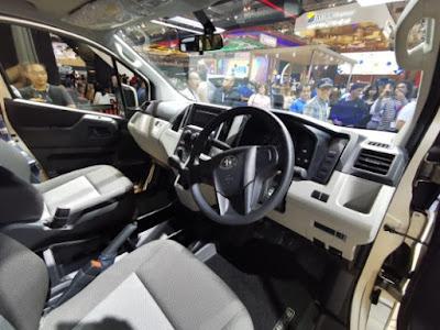 Riding Comfort -  Interior Toyota HiAce Terbaru