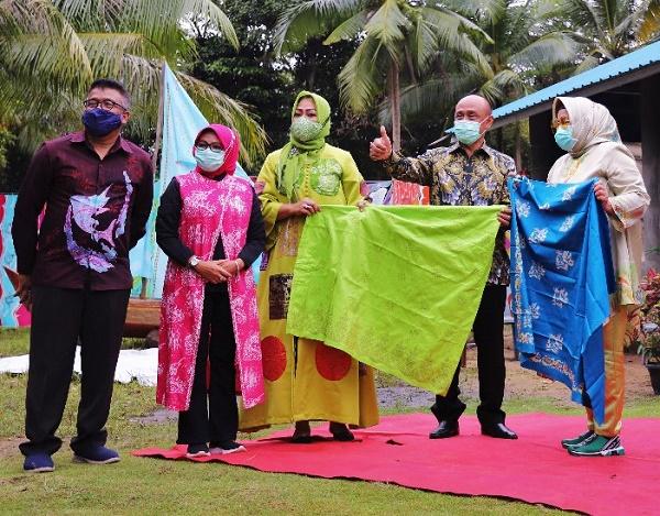 Kemendagri Apresiasi Kerajinan Batik Batam,  Dukung Penuh Ngenang Jadi Kawasan Industri