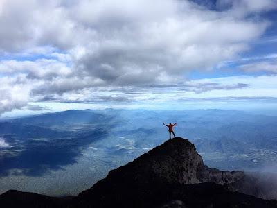 puncak gunung kerinci jambi