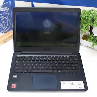 Asus Vivobook E402WA AMD E2 Bekas