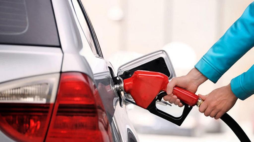 Mẹo lái xe để tiết kiệm nhiên liệu trong mùa nắng nóng?