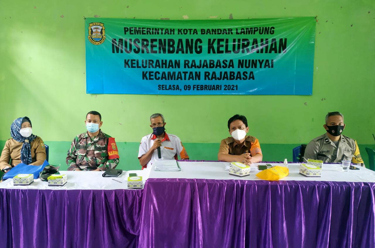 Babinsa Koramil 410-06Kedaton Kodim 0410KBL Peltu Joko Pandoyo, menghadiri kegiatan Musrenbang ditingkat kelurahan Rajabasa Nunyai