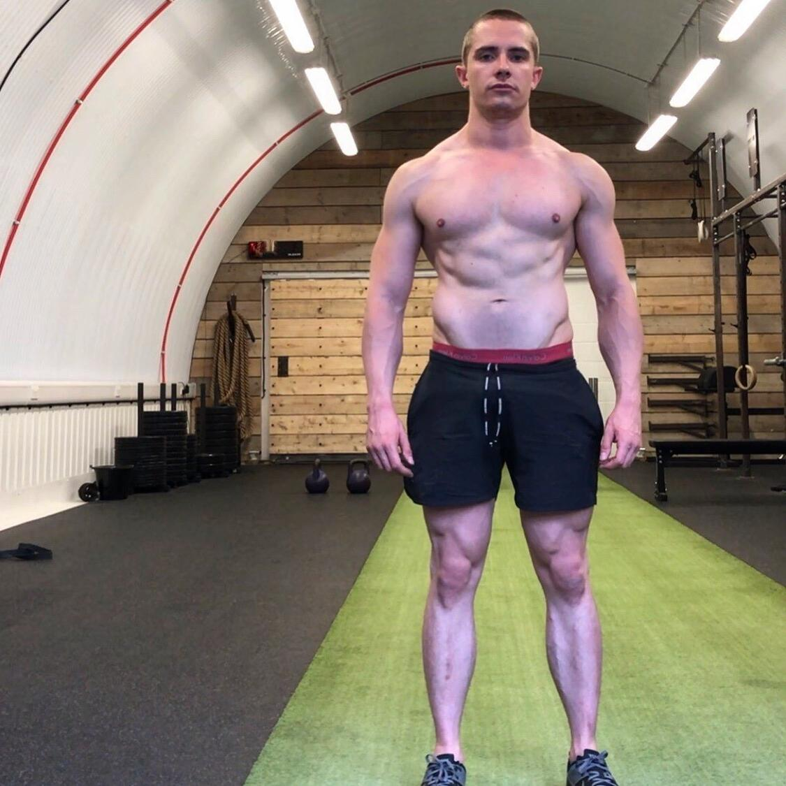 cute-shirtless-young-fit-gym-bro-strong-legs-pictures