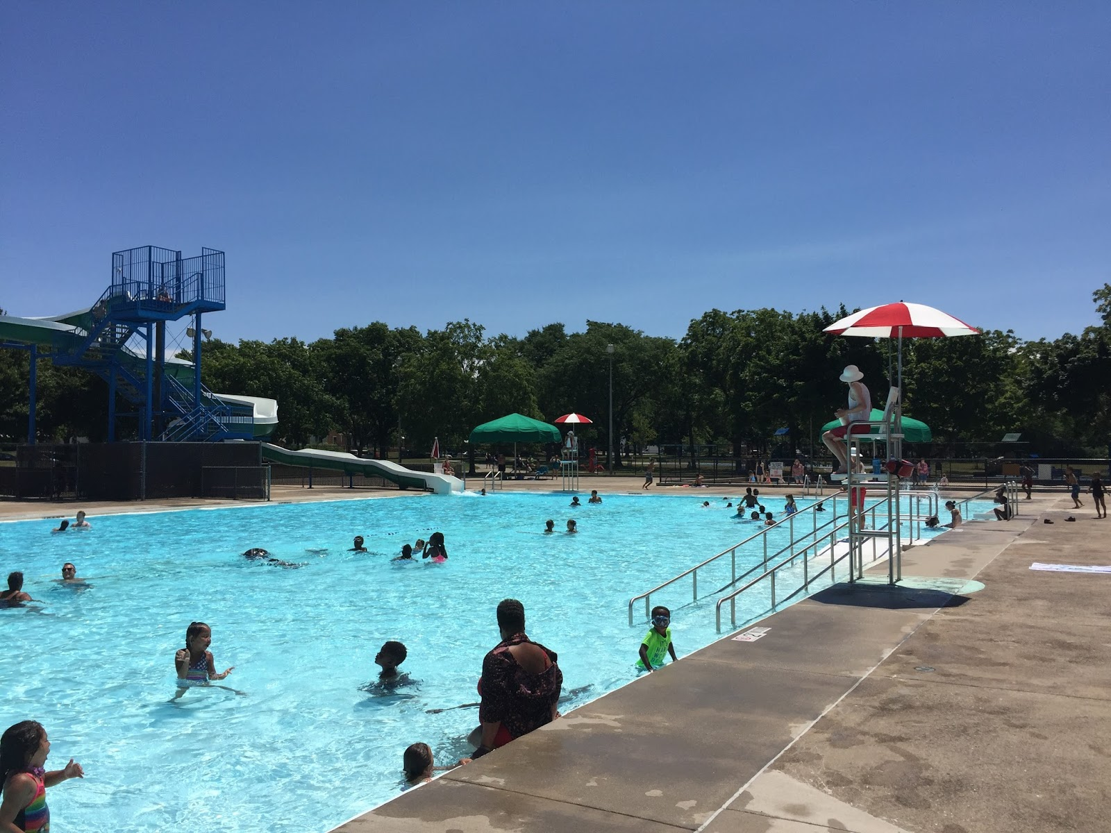 Milwaukee area parks milwaukee pools so refreshing for Garden pool west allis
