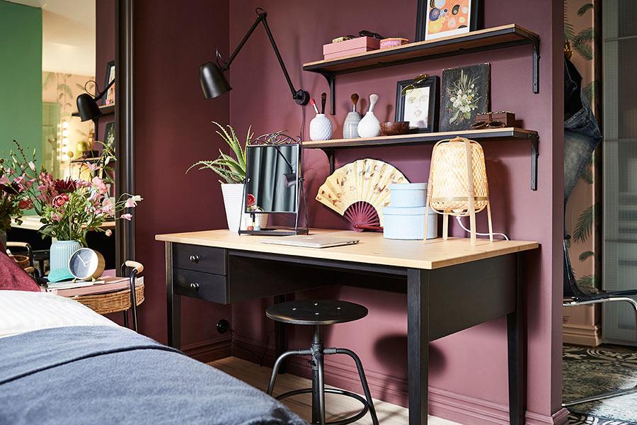 catalogo ikea 2020 dormitorio femenino escritorio negro y madera