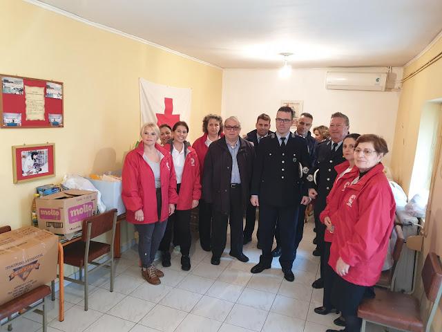 Θεσπρωτία: Το προσωπικό της Αστυνομικής Δ/νσης Θεσπρωτίας παρέδωσε είδη ανάγκης και δώρα στον Ερυθρό Σταυρό