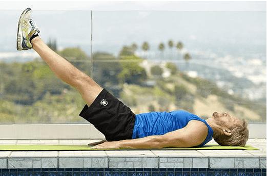 الإستلقاء مع رفع الساقين