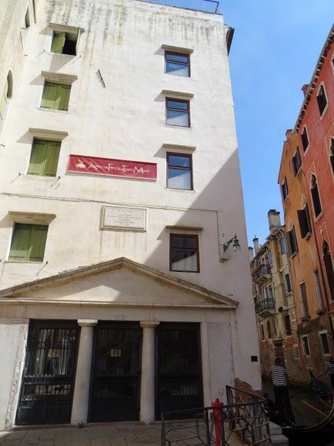 Teatro Malibrán Casa Marco Polo Venecia Italia