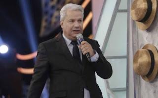 Sikêra Jr. faz 'estrago' nos chapéus de Raul Gil e assume ter votado em Lula duas vezes