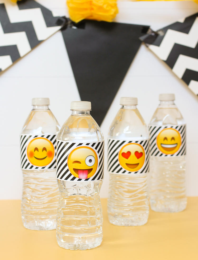 Free printable emoji party water bottle labels that spin to reveal different emoji faces!