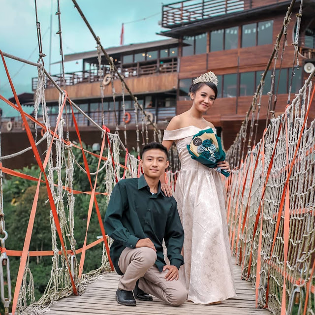 Foto Prewedding di Glamping Lakeside
