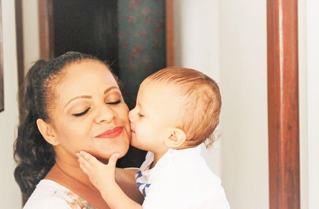 Manfaat Jika Bunda Sering Mengobrol dengan Bayi, Ikatan Batin Makin Erat Lho