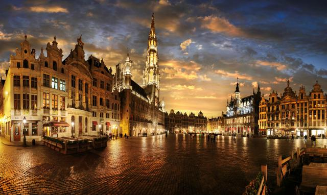 bruxelles-grand-place-oracci-in-viaggio