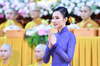 Cuộc sống hướng Phật của Angela Phương Trinh