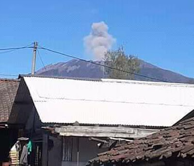 Gunung Raung erupsi pada kamis 16 Juli 2020.