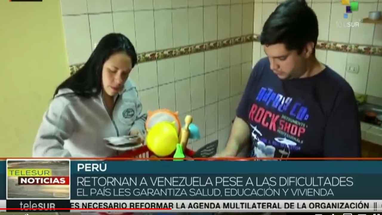 Venezolanos siguen regresando tras duras experiencias en otros países
