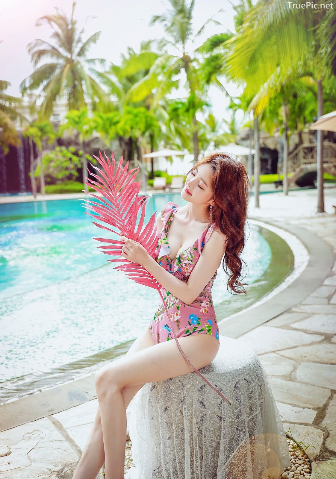 Korean lingerie queen model - Kim Hee Jeong - Floral Pink Swimsuit - Picture 9