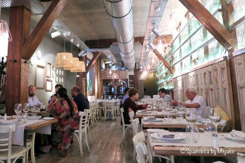 MARINA VENTURA マドリードでパエリアお米料理が美味しい料理店の店内