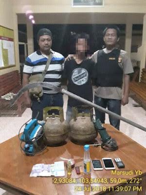 Saat Penggerbakan, Kepolisian Mendapati Pelaku Pencurian Tengah Asyik Mengkonsumsi Narkoba