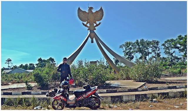 Tugu Garuda Desa Temajuk - Kabupaten Sambas