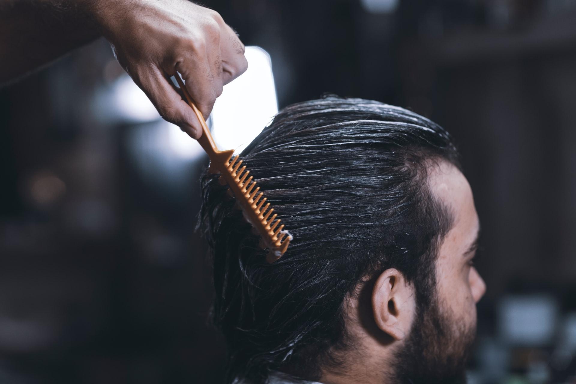 8 Produk Terbaik Bagi Mengatasi Masalah Rambut Gugur Bagi Lelaki