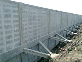กำแพงเขื่อนกั้นดิน