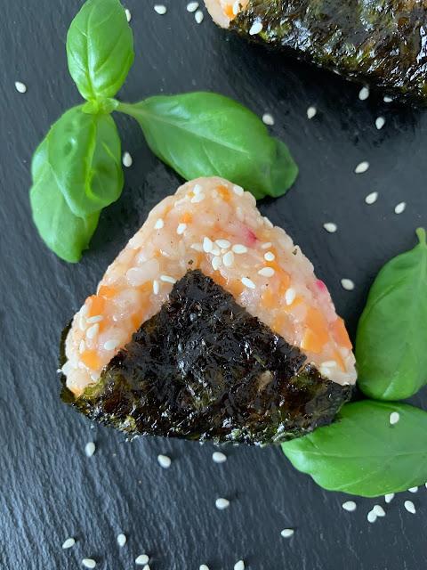 Japanische Reispäckchen Onigiri, Rezept glutenfrei & vegan, Sonnentor, Minimalismus: Zubereitung einfach + schnell, Healthy Food Style, Blog, Rezeptinspirationen für jeden Tag, gesund und lecker, Rezeptideen, schnelle Rezepte, entdecken, leicht