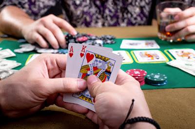 Asmeninės kortos pokeryje