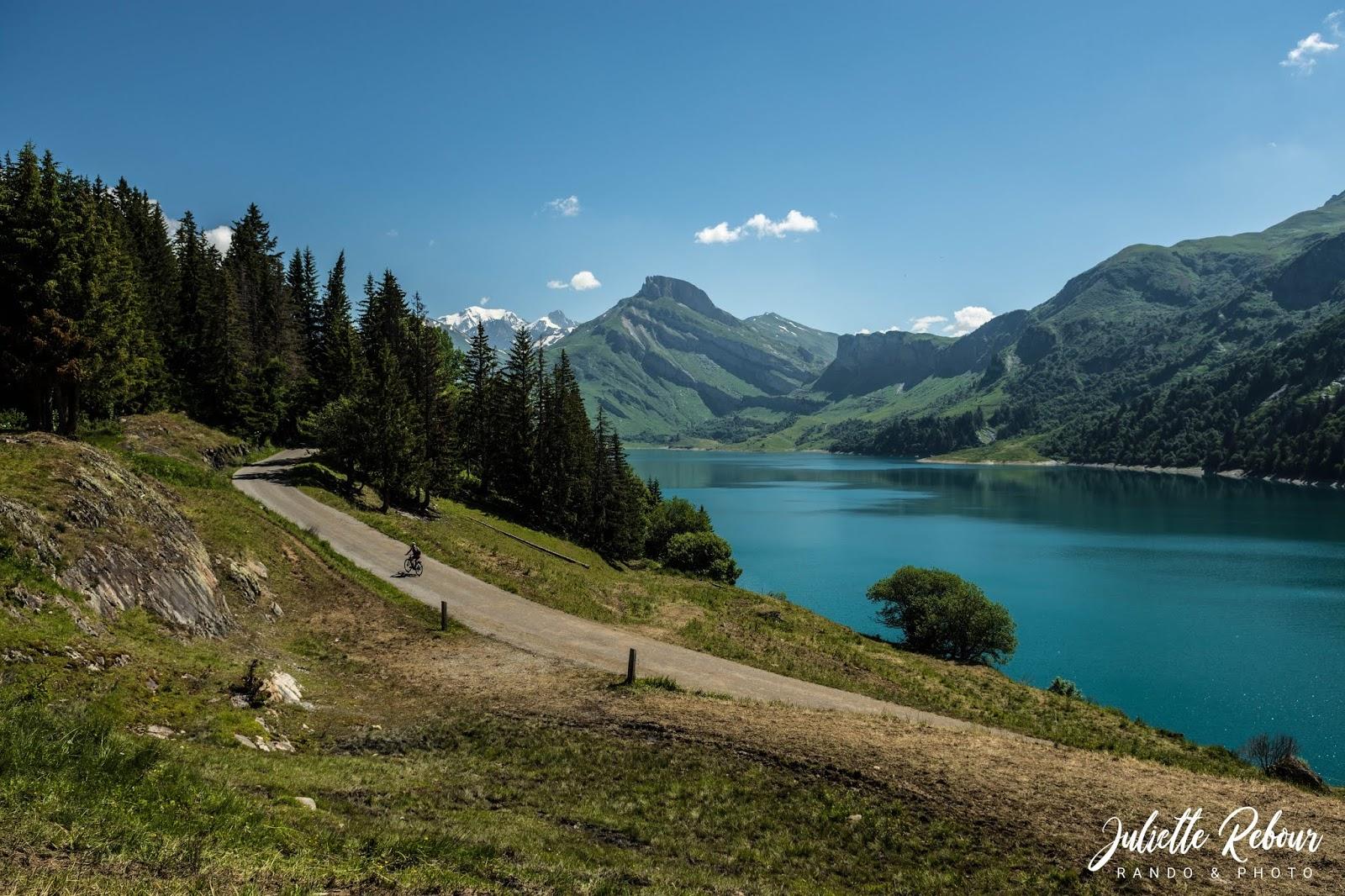 Lac de Roselend, randonnée dans les alpes