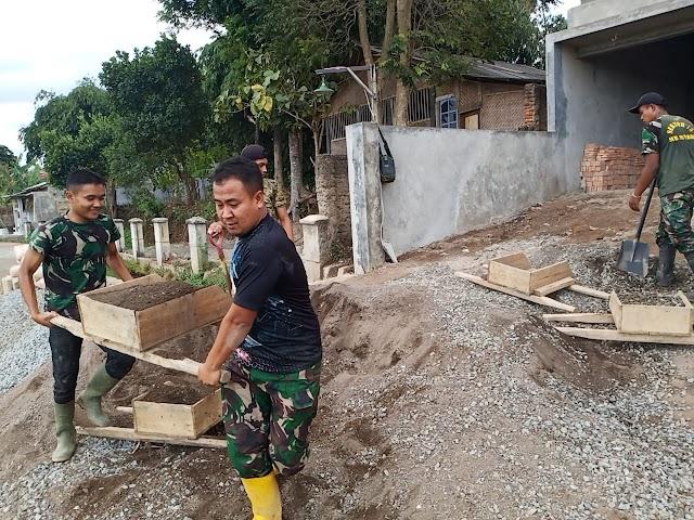 Satgas Citarum Sektor 21-15 Terjun Bantu Proses Pembangunan SPALDT di Desa Margaluyu