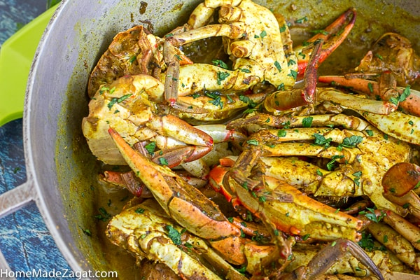 Pot of cooked blue crab