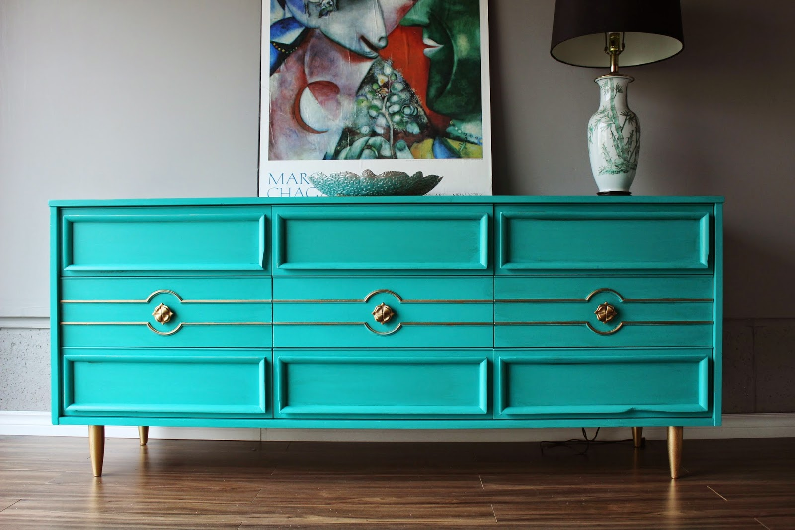 http://re-tiqued.blogspot.ca/2014/11/teal-and-goldoh-so-bold.htmlhttp://re-tiqued.blogspot.ca/2014/11/teal-and-goldoh-so-bold.html