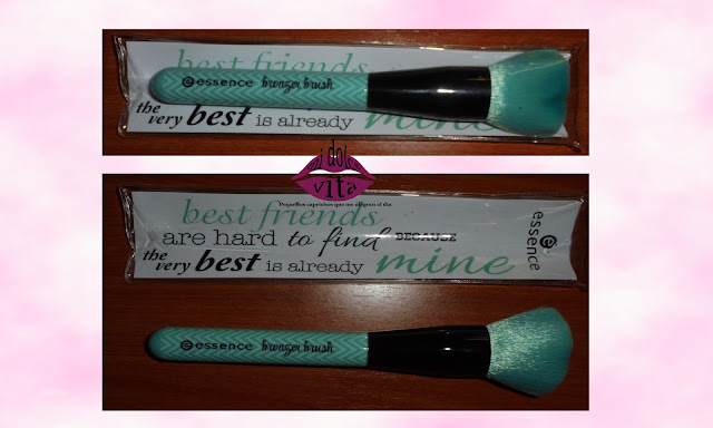 "Bronzer brush ""Make me pretty"" de Essence"