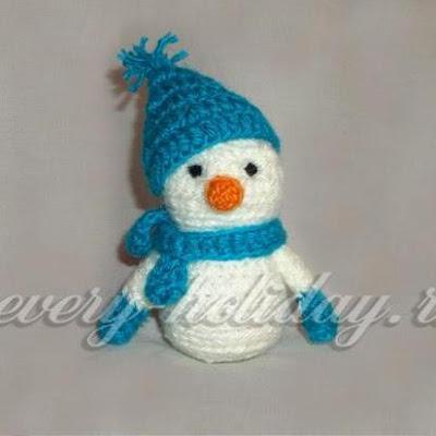 Снеговик амигуруми крючком
