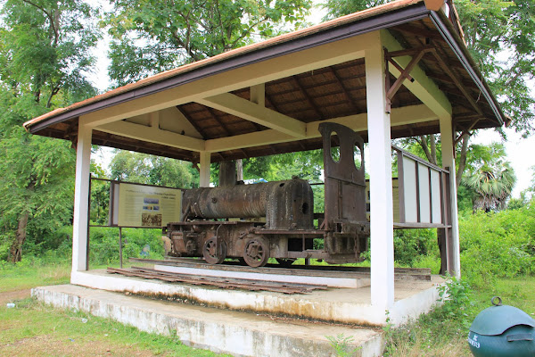 Locomotora francesa en la isla Don Khon (Si Phan Don, Laos)