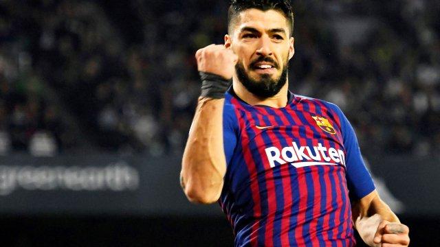 برشلونة يستعيد لويس سواريز