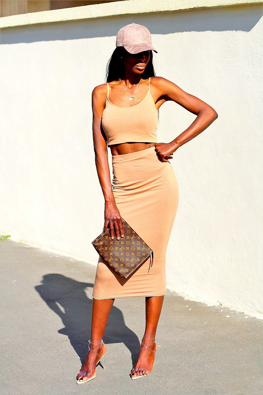 tendance-chaussures-transparentes-yeezy-kim-kardashian